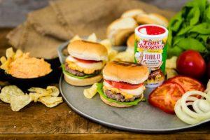 Zesty Pimento Cheeseburger