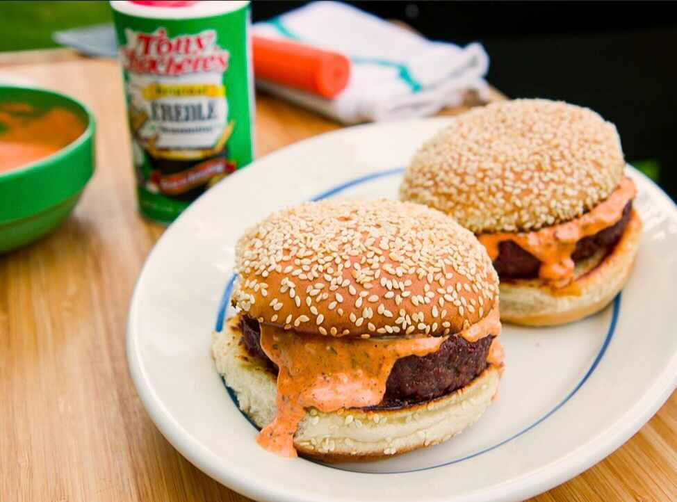Smoked Tony Burger with Remoulade
